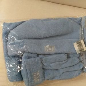 GAP winter accessory set New in wrapping